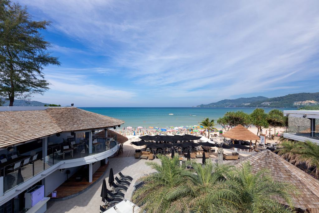 Club Unique Phuket Thailand The Bay And Beach Club Kudo 1024px 2
